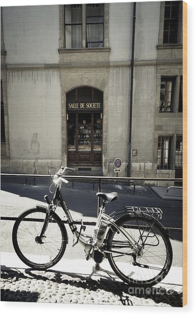 Salle De Societe  Wood Print by RicharD Murphy