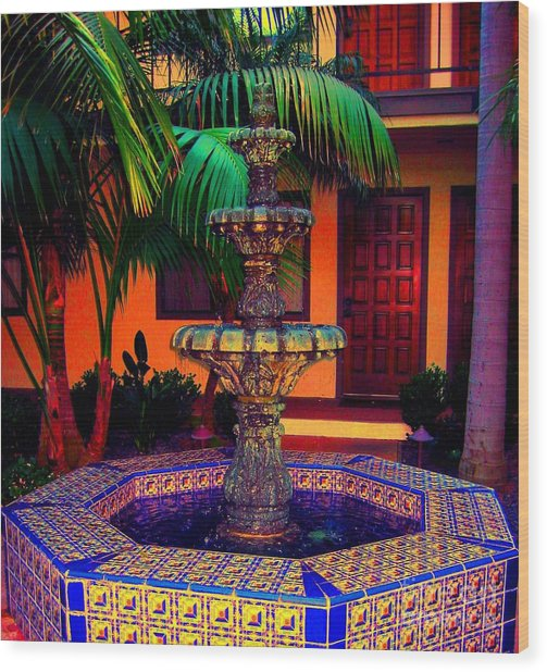 Santa Barbara Fountain Wood Print