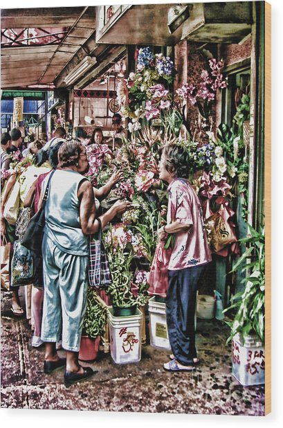 Shopping In Chinatown Wood Print by Anne Ferguson