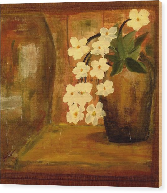 Single Vase In Bloom Wood Print
