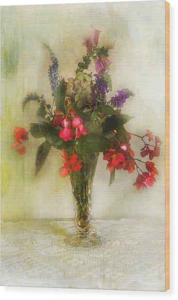 Small Vase Of Flowers Wood Print by John Rivera