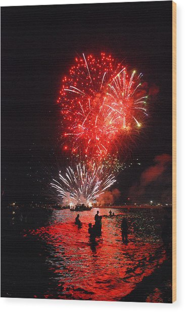 Sparks On The Sea Wood Print by Perry Van Munster
