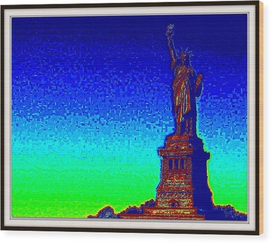Statue Of Liberty-3 Wood Print by Anand Swaroop Manchiraju