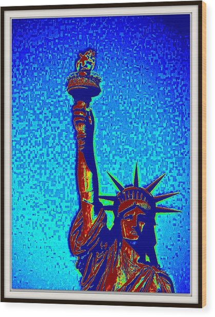 Statue Of Liberty-4 Wood Print by Anand Swaroop Manchiraju