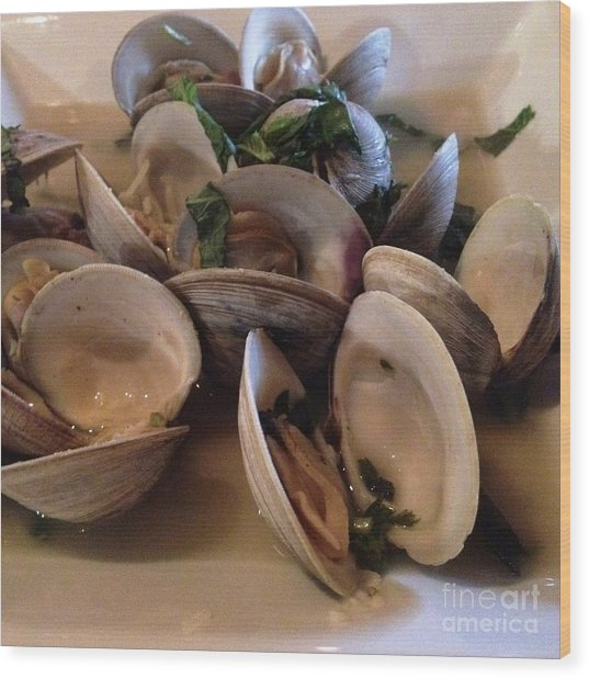 Steamed Clams For Dinner Wood Print