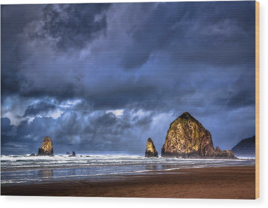 Stormy Clouds In Cannon Beach Wood Print