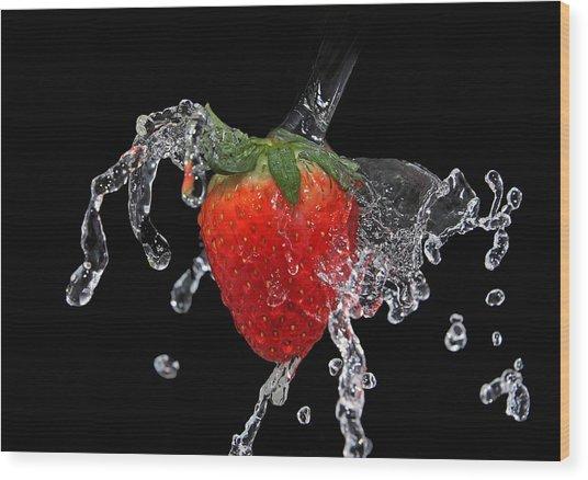 Strawberry-splash Wood Print