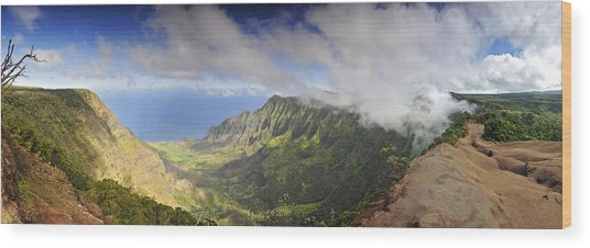 Stunning Panorama Of The Napali Coast In Kauaii Wood Print