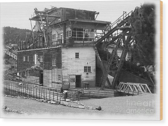 Sumpter Valley Gold Dredge Wood Print by Charles Robinson
