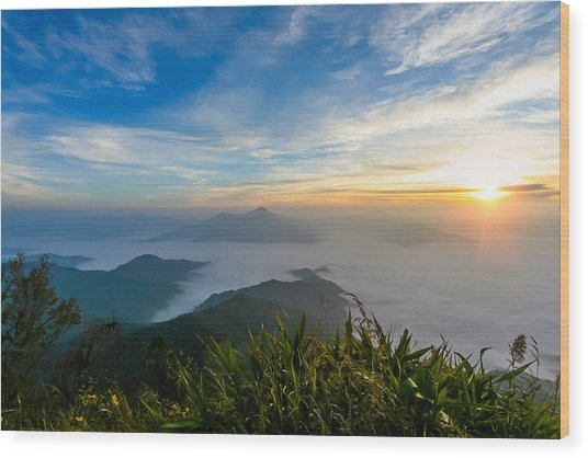 Sunrise In Mornig Time Misty Early On Mountain Wood Print by Kittipan Boonsopit
