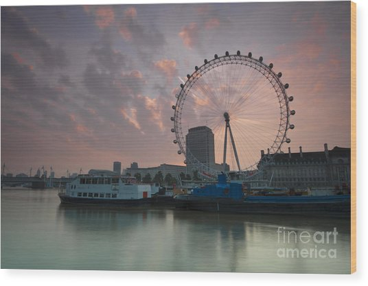 Sunrise London Eye Wood Print by Donald Davis