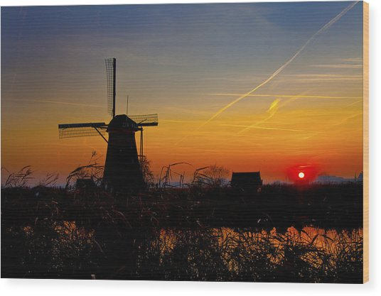 Sunset At Kinderdik Wood Print
