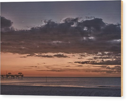 Sunset At The Beach Wood Print by Chuck Bowser