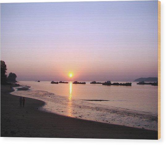 Sunset At The Beach Wood Print by Susmita Mishra