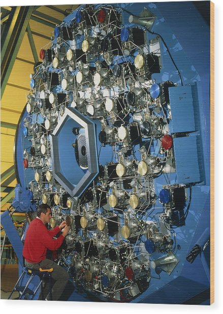 Technician With The Wiyn Telescope's Active Optics Wood Print by David Parker
