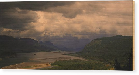 The Columbia River  Looking Up Stream Wood Print