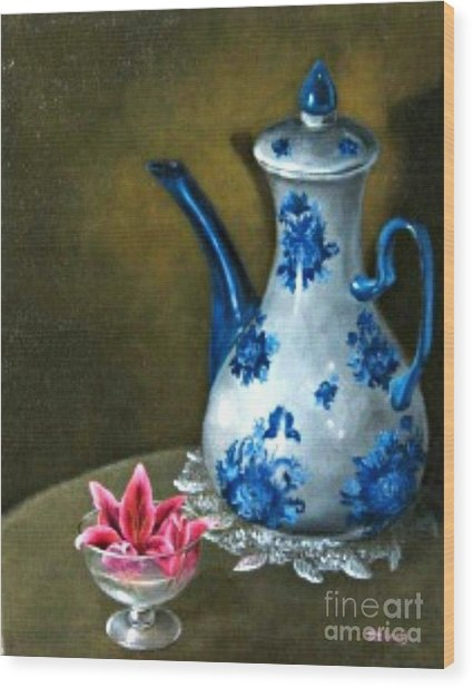 The Lily And The Coffe Pot Wood Print