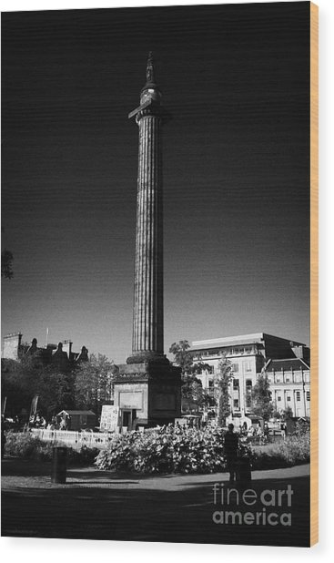 The Melville Monument St Andrew Square Edinburgh Scotland Uk United Kingdom Wood Print by Joe Fox