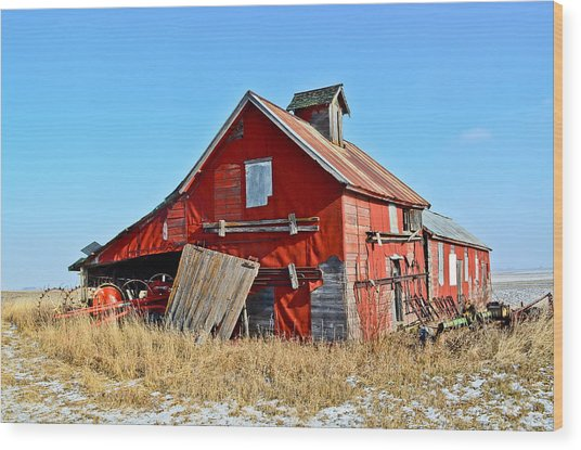 The Old Red Barn Wood Print by Brenda Becker