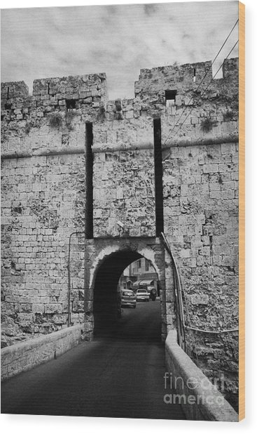 The Porta Di Limisso The Old Land Limassol Gate In The Old City Walls Famagusta Cyprus Wood Print by Joe Fox