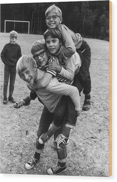 Triple Piggyback Ride Wood Print by Archive Photos