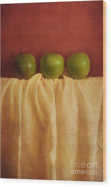 Trois Pommes Wood Print