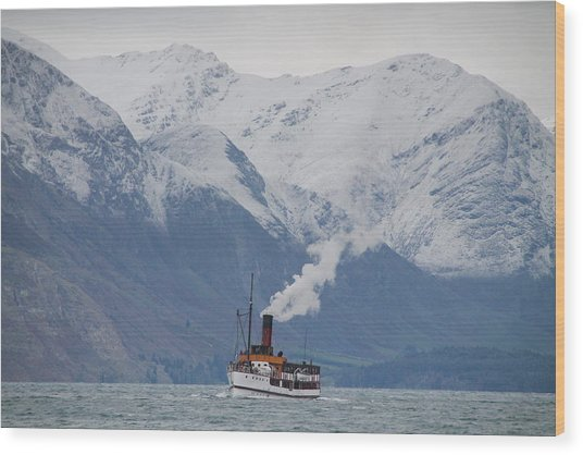 Tss Earnslaw Steamboat Against The Southern Alps Wood Print