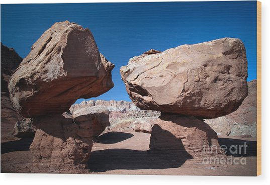 Two Balancing Boulders In The Desert Wood Print