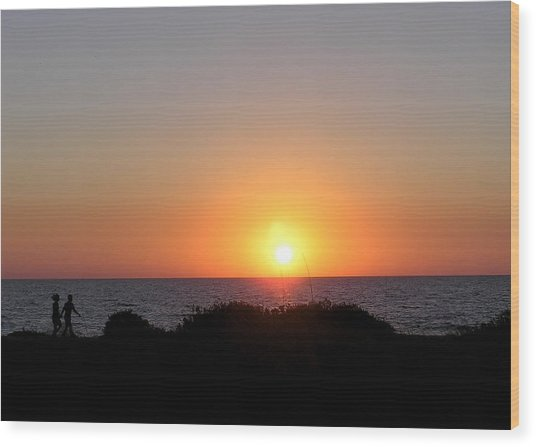 Two Lovers Sunset Beach Walk Wood Print