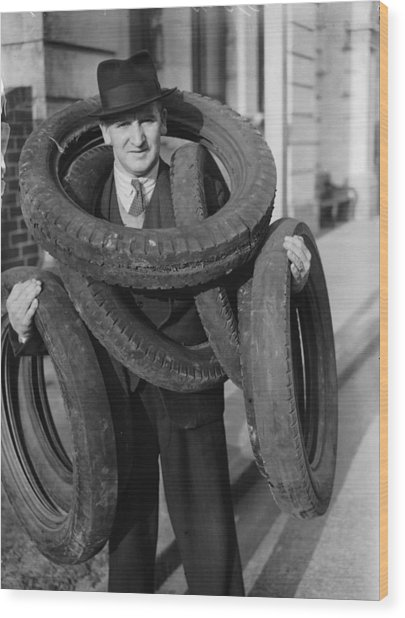 Tyred Out Wood Print by Fox Photos