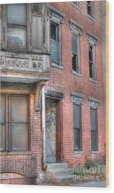Urban Decay In Cincinnati Wood Print