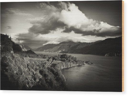 Vintage Columbia River Wood Print