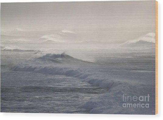 Violent Surf Wood Print