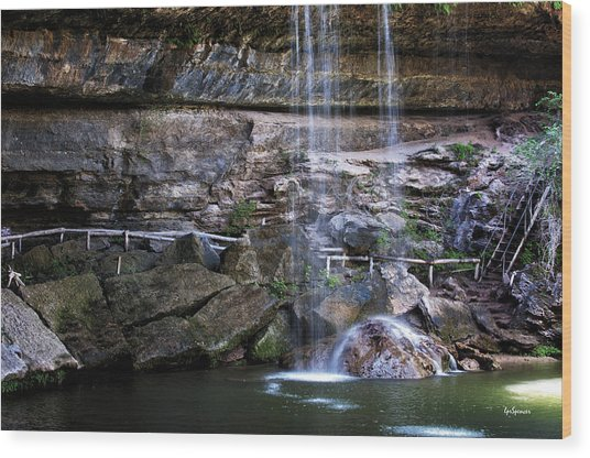 Water Flow Over A Rock At Hamilton Pool Wood Print