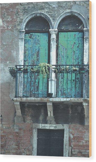 Weathered Venice Porch Wood Print