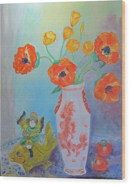 White China Vase With Poppies Wood Print
