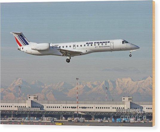 Air France Regional Airlines Embraer Erj-145eu - F-grgf  Wood Print