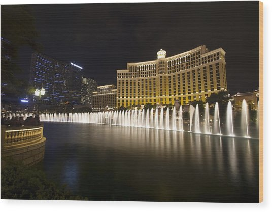 Bellagio Fountain In Las Vegas At Night Wood Print