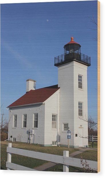 Sand Point Lighthouse Escanaba Wood Print