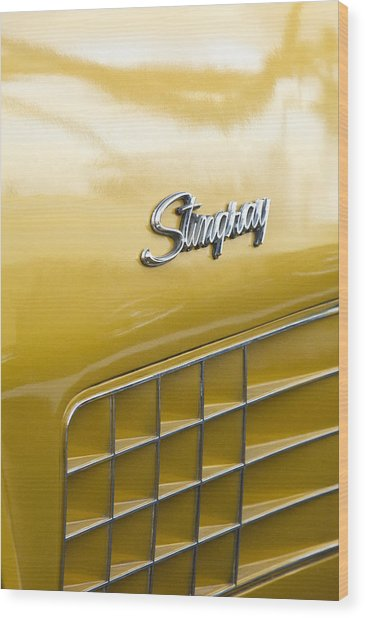 1972 Chevrolet Corvette Stingray Emblem Wood Print