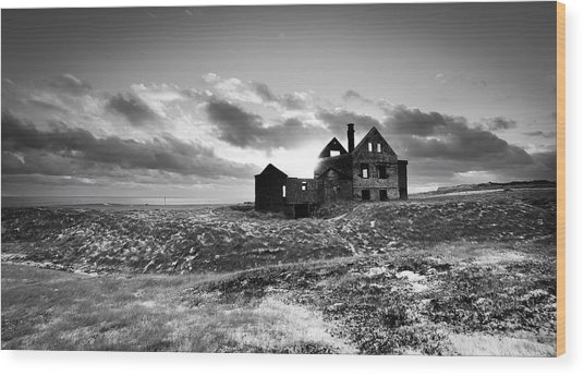 Abandoned Farm On The Snaefellsnes Peninsula Wood Print