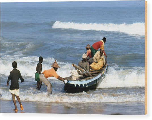 African Fishermen 1971 Wood Print by Erik Falkensteen