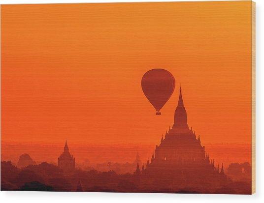 Bagan Pagodas And Hot Air Balloon Wood Print