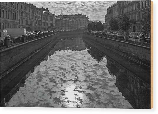 City Reflected In The Water Channels Wood Print