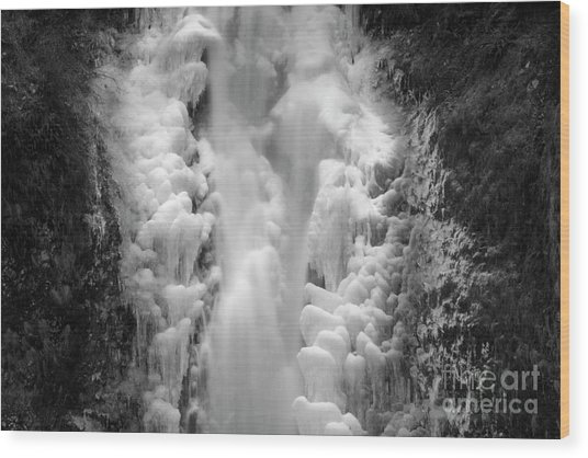 Frozen Multnomah Falls Wood Print