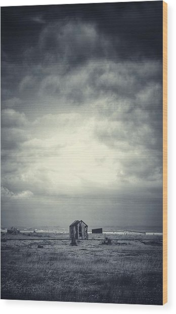 Projekt Desolate The Distance  Wood Print by Stuart Ellesmere