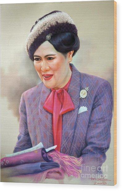 Queen Sirikit Wood Print by Chonkhet Phanwichien