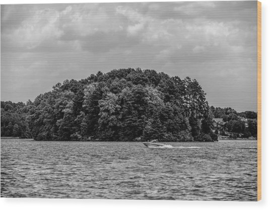 Relaxing On Lake Keowee In South Carolina Wood Print