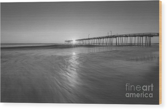 Rise And Shine At Nags Head Pier Wood Print
