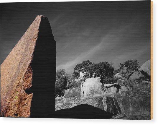 Straight Edge Boulder Enchanted Rock Texas Wood Print by Tom Fant